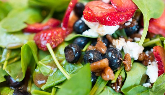 Very Berry and Spinach Salad